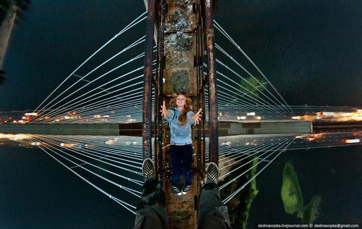 28-cliches-vertigineux-dans-lesquels-un-photographe-fou-de-sensation-fortes-defie-la-mort1