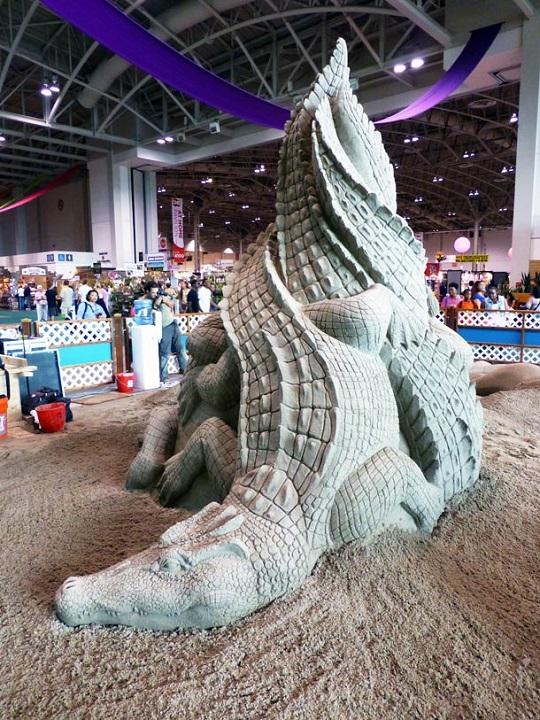 vous-ne-resterez-pas-de-marbre-devant-ces-incroyables-sculptures-entierement-faites-de-sable-12