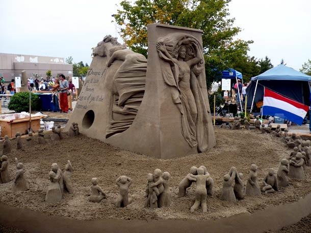 vous-ne-resterez-pas-de-marbre-devant-ces-incroyables-sculptures-entierement-faites-de-sable-2