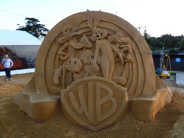 vous-ne-resterez-pas-de-marbre-devant-ces-incroyables-sculptures-entierement-faites-de-sable-5