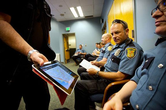 ce-nouveau-logiciel-revolutionnaire-permet-a-la-police-de-predire-les-crimes-en-temps-reel1