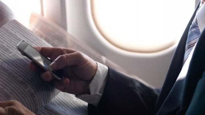 grace-a-la-3g-autorisee-dans-les-avions-vous-pourrez-bientot-restes-connectes-en-plein-vol1