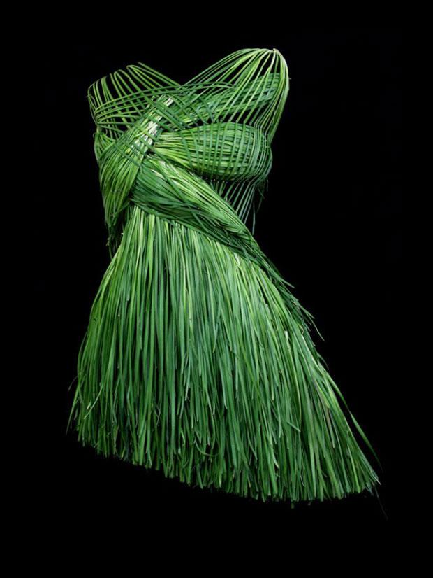 habillez-vous-bio-et-ecolo-avec-ces-incroyables-robes-creees-a-partir-de-legumes1