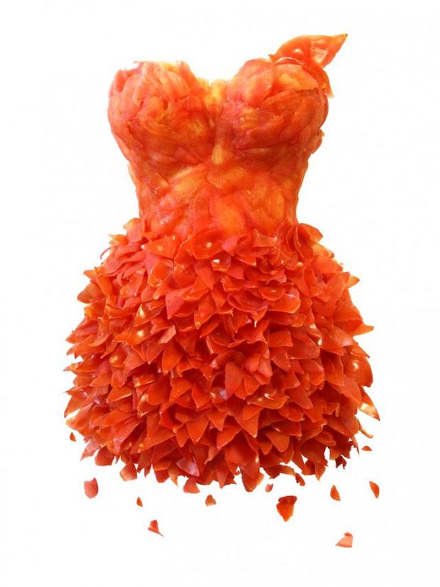 habillez-vous-bio-et-ecolo-avec-ces-incroyables-robes-creees-a-partir-de-legumes3