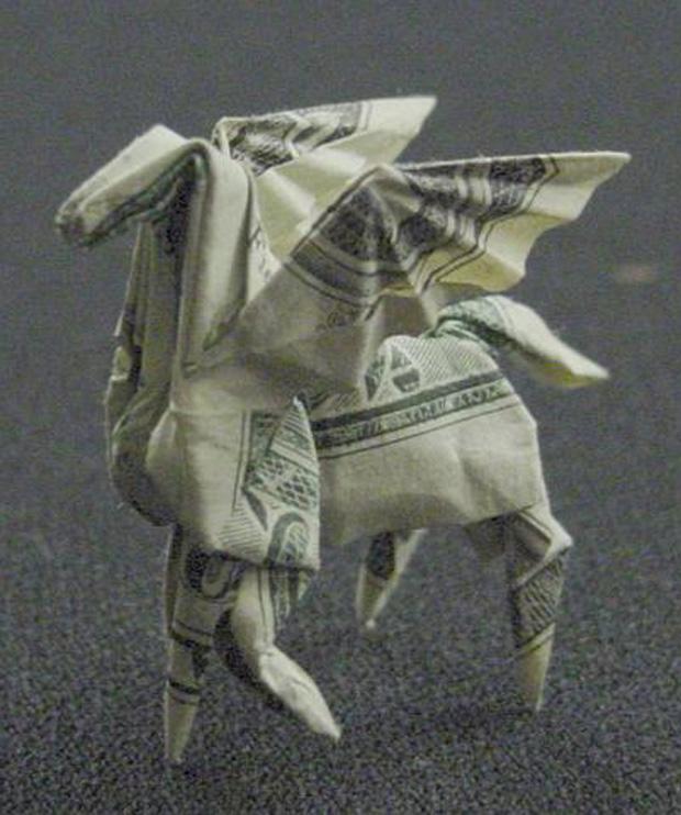 les-magnifiques-origamis-en-billets-de-un-dollar-de-won-park6