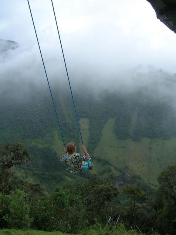 swing-at-the-end-of-the-world-la-casa-del-arbol-2_580xh