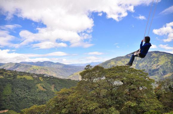 swing-at-the-end-of-the-world-la-casa-del-arbol-8_580xh