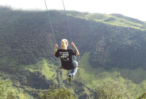 swing-at-the-end-of-the-world-la-casa-del-arbol-9_580xh