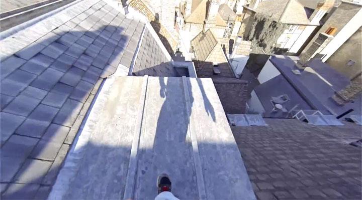 un-acrobate-sinspire-dun-jeu-video-pour-realiser-dimpressionnantes-cascades-filmees-en-vue-subjective-2