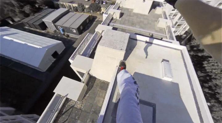 un-acrobate-sinspire-dun-jeu-video-pour-realiser-dimpressionnantes-cascades-filmees-en-vue-subjective-3