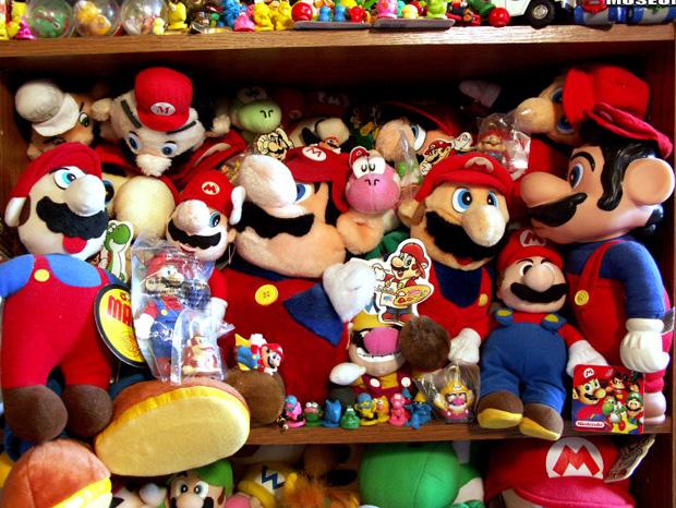 il-entre-au-livre-des-records-avec-sa-collection-de-8000-produits-derives-de-jeux-video1