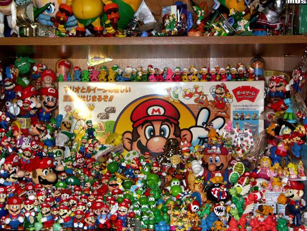 il-entre-au-livre-des-records-avec-sa-collection-de-8000-produits-derives-de-jeux-video4