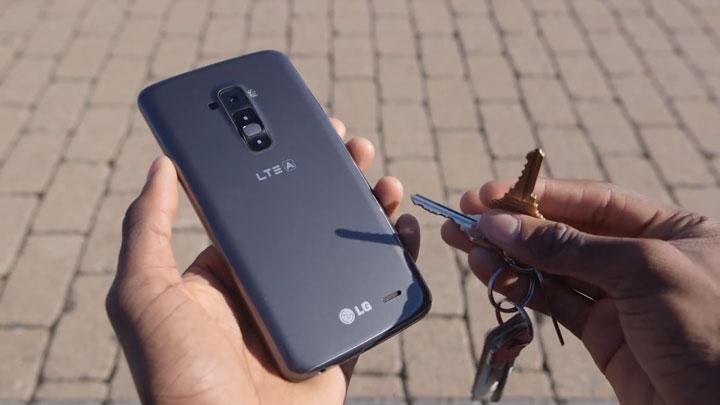 lg-g-flex-le-smartphone-revolutionnaire-qui-se-repare-tout-seul5