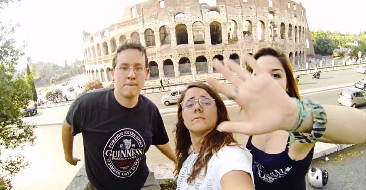 a-chaque-claquement-de-main-un-nouveau-pays-un-jeune-italien-vous-emmene-dans-son-incroyable-tour-du-monde5