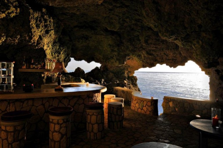 ca3_the_caves_-_rum_and_cigar_bar_348
