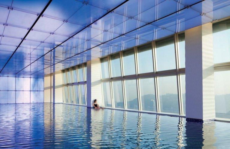 swimming-pool-day-at-the-ritz-carlton-hong-kong