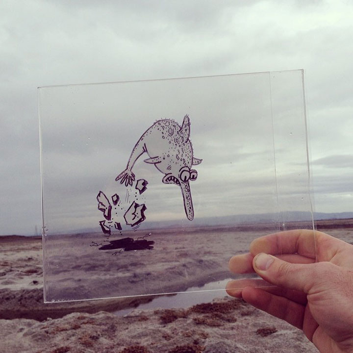 artiste-insere-dessins-sur-film-transparent25