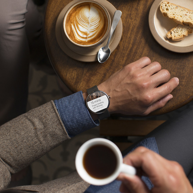 First-Smartwatch-powered-by-Android-Wear-1