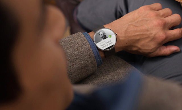 First-Smartwatch-powered-by-Android-Wear-2