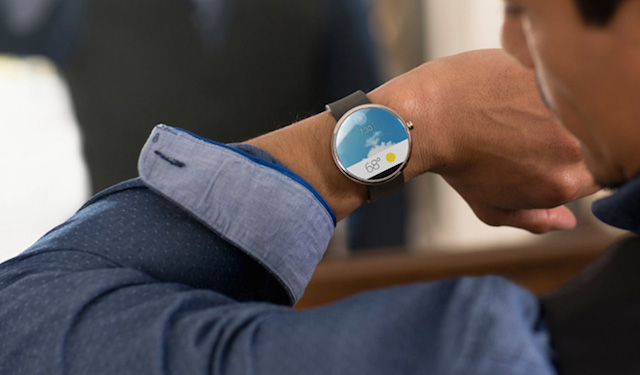 First-Smartwatch-powered-by-Android-Wear-3