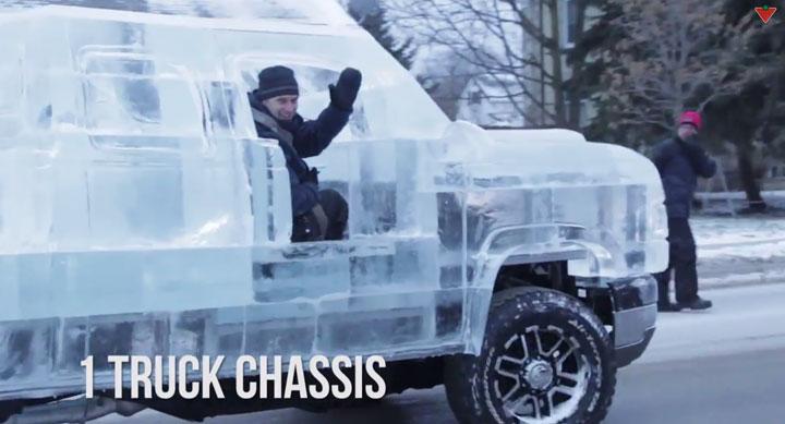 montez-a-bord-de-cette-incroyable-camionnette-construite-entierement-avec-de-la-glace2