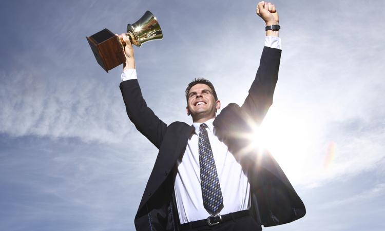4-conseils-pour-reussir-votre-carriere-sans-consacrer-tout-votre-temps-a-travailler-une