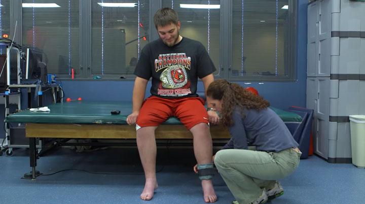 un-nouvel-implant-revolutionnaire-est-capable-de-rendre-lusage-de-leurs-membres-a-des-personnes-paralysees5