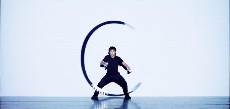 spectacle-diabolo-lumiere-demi-cercle