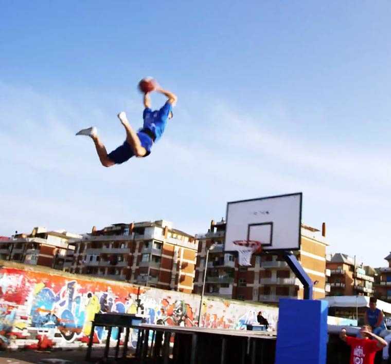 Basketball-Freestyle-Dunks-Lords-of-Gravity-6